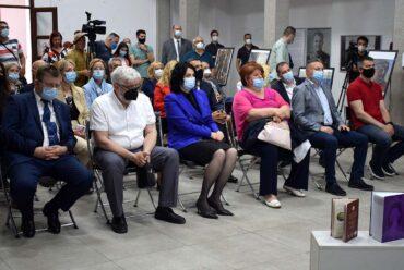 """Отворена изложба """"60 година првог човековог лета у космос"""" у Галерији Синагога"""